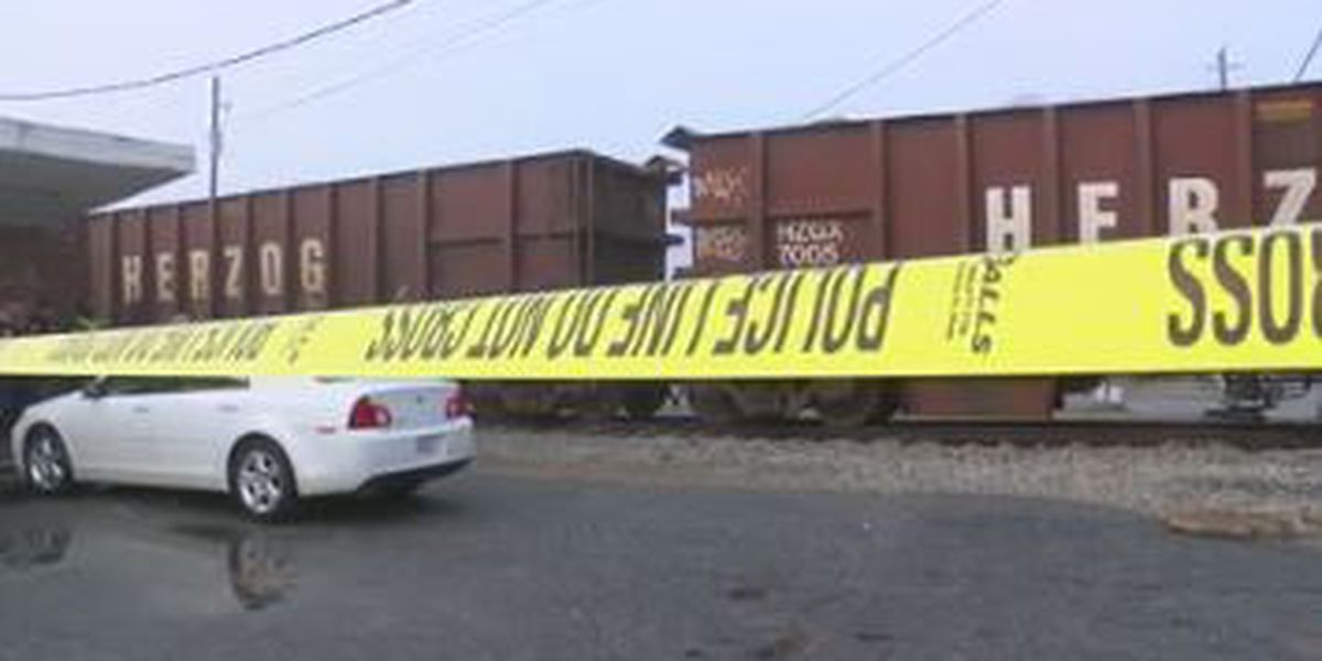Man hit, killed by train at 35th St. and River Rd. in Columbus