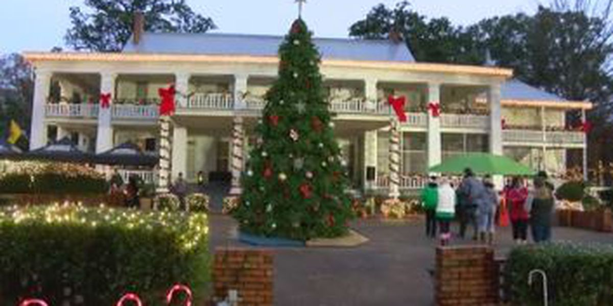 Ft. Benning celebrates annual tree lighting ceremony