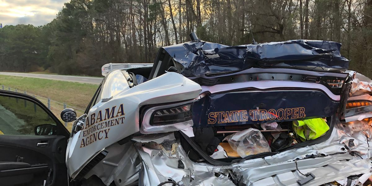 Ala. state trooper involved in accident with tractor trailer in Lee Co.