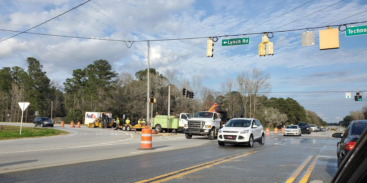 Traffic delayed at intersection of Macon Rd., Lynch Rd. near Midland following water leak