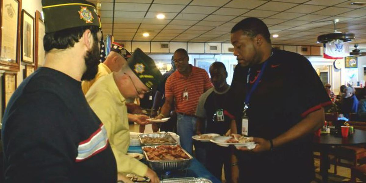Smiths Station VFW hosts pre-holiday meal for veterans