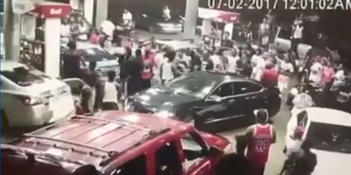 VIDEO: Brawl breaks out at Eufaula gas station