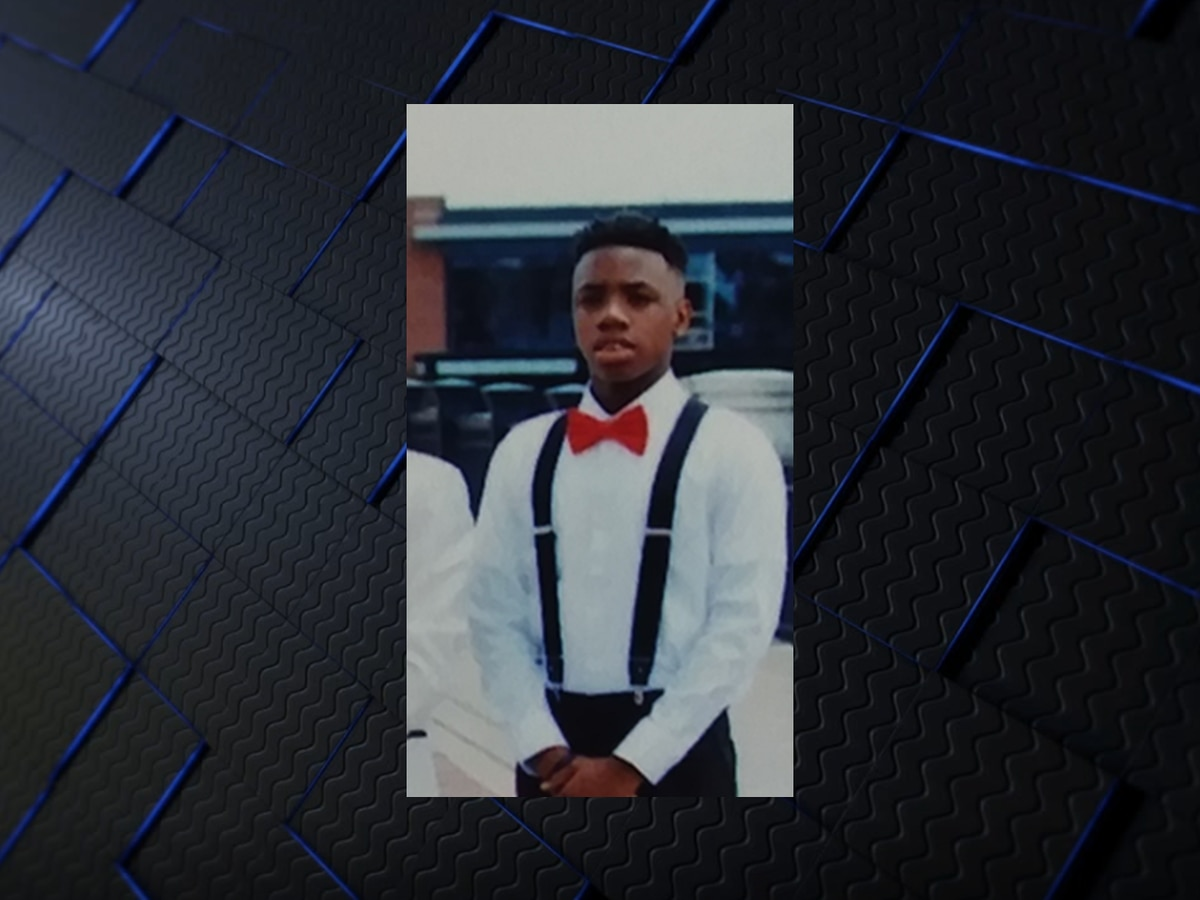 Columbus police, family searching for runaway teen