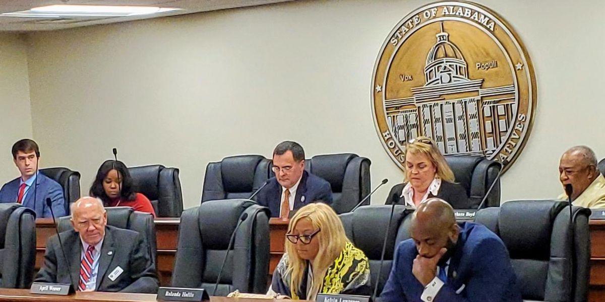 Alabama lawmakers advance bill aimed at transgender athletes