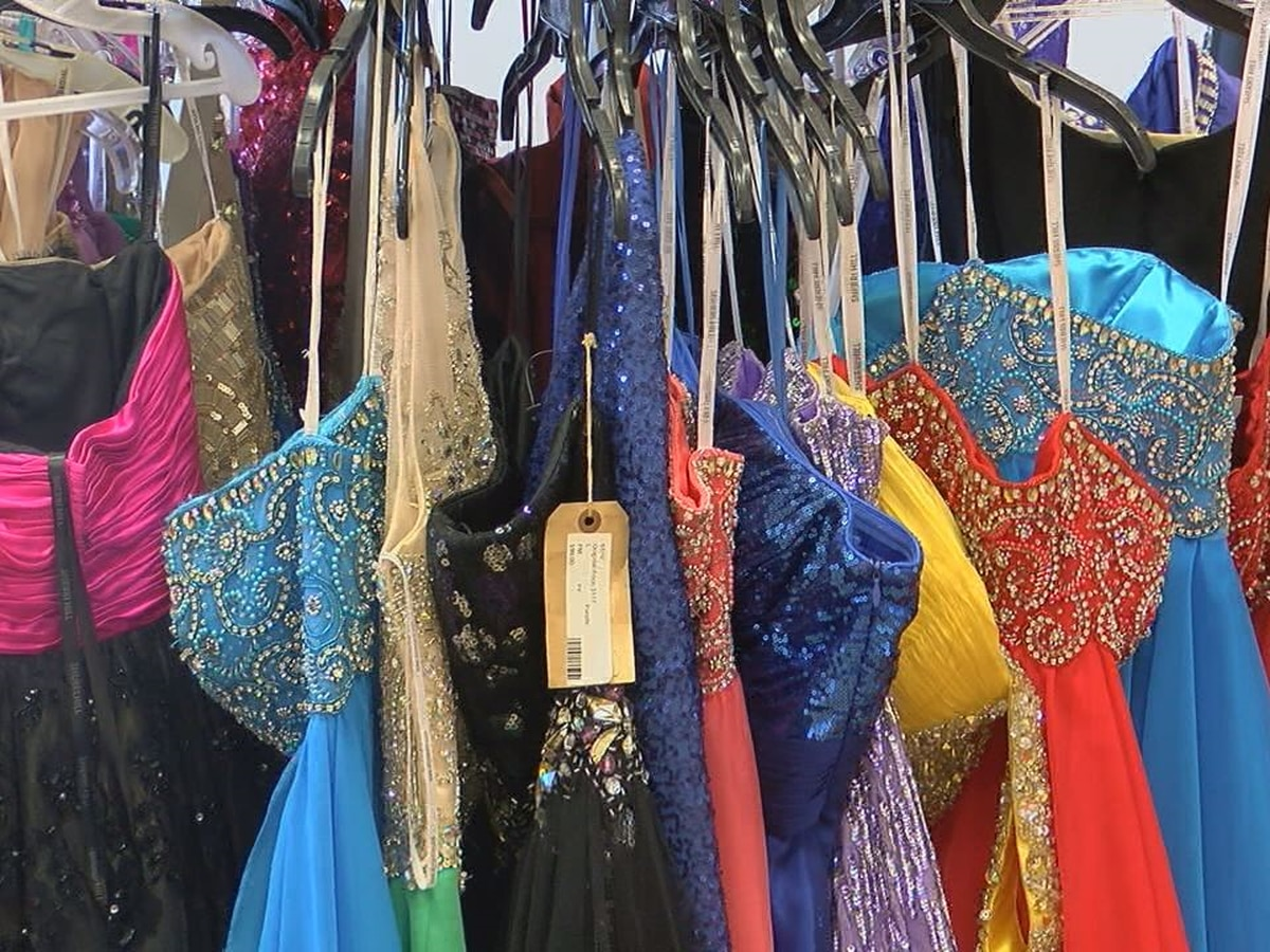 Harris Co. School District holds event to help students shop for prom attire