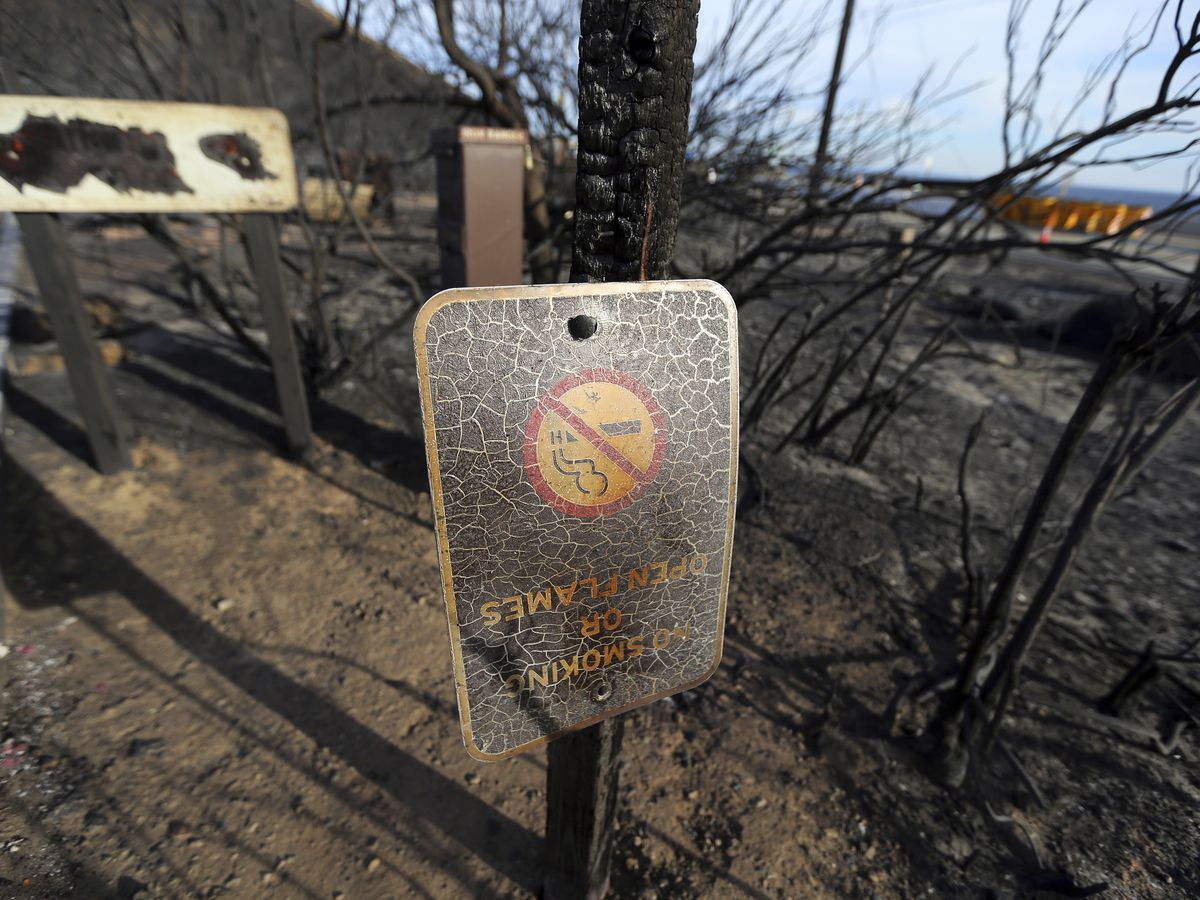 The Latest: New wildfire burning in Southern California