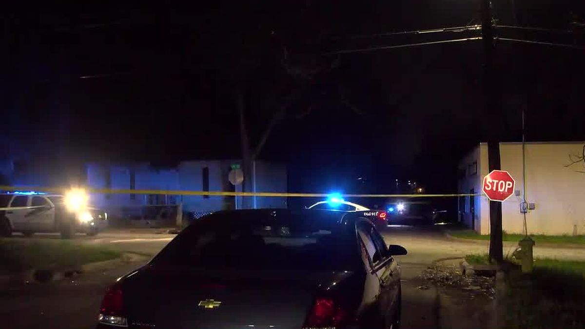 Police investigating shooting on 15th Ave. in Columbus