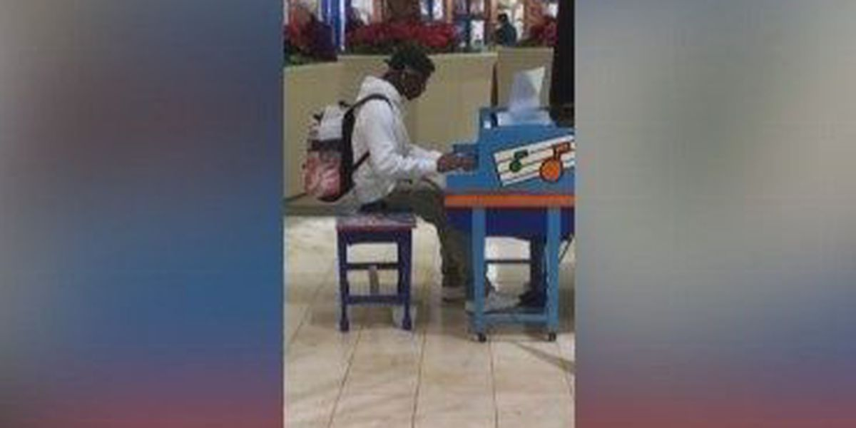 VIDEO: MI teen plays piano at mall, performance goes viral