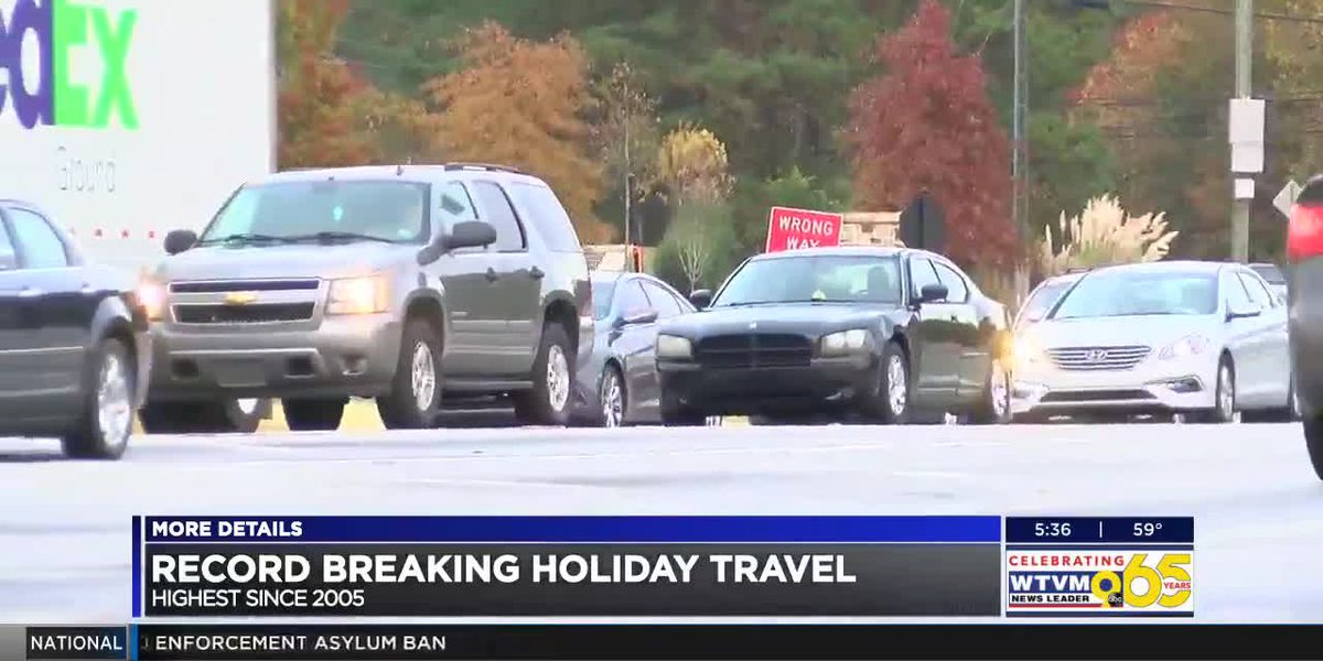 Drivers, transportation companies experience travel delays ahead of Thanksgiving