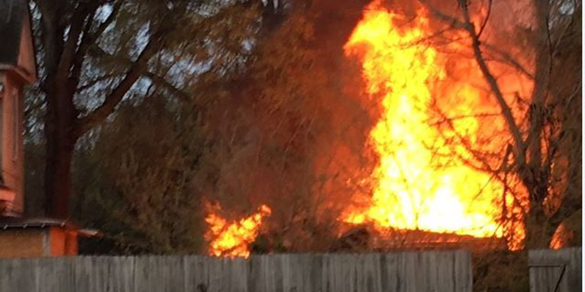 Firefighters contain fire near 2nd Avenue in Columbus