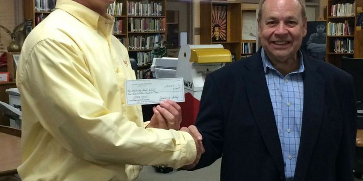 Hardaway High accepts $9,300 donation for new LED sign