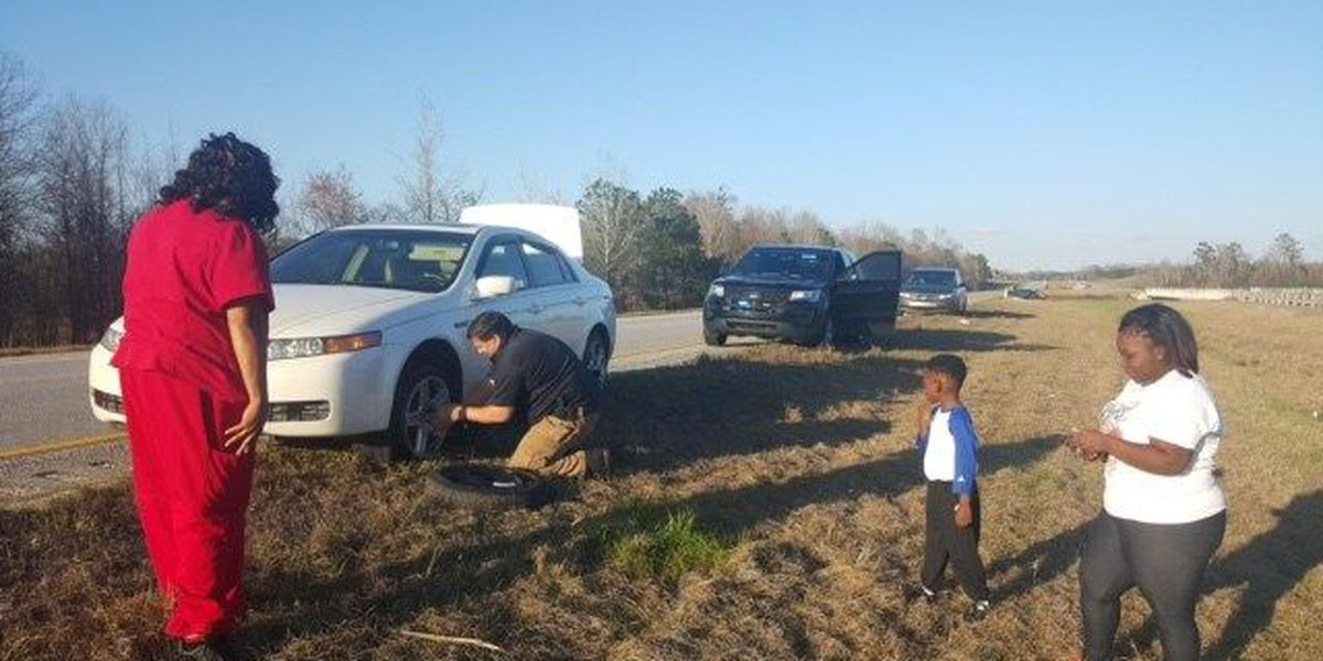 Russell County Sheriff's deputy lends helping hand to stranded driver