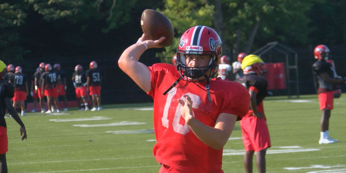 Clutch play from Davis helps Opelika to 4-0 start
