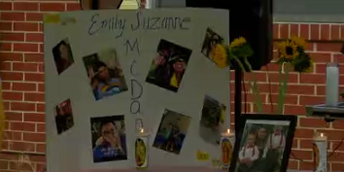 Family, friends gather in Columbus for vigil to remember Rosewood Dr. murder victim