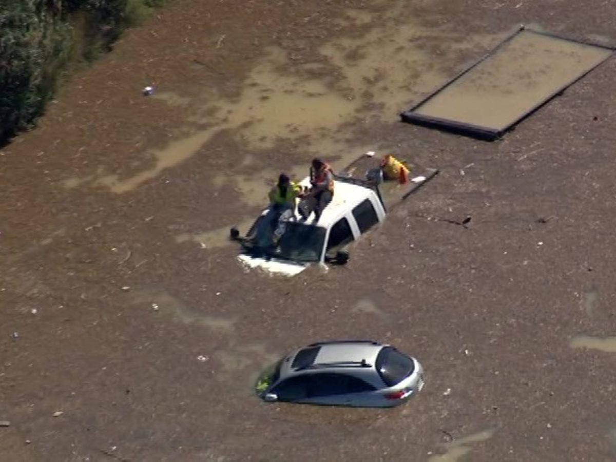 Water main break in Houston strands drivers, closes schools