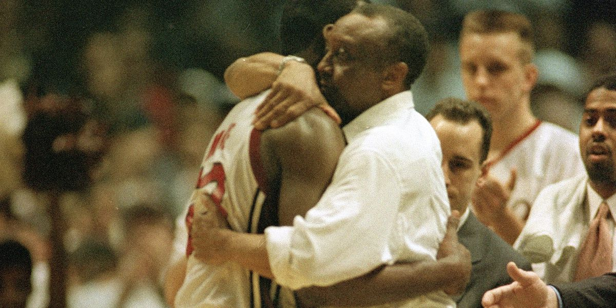 John Chaney, Temple's commanding Hall of Fame basketball coach, dies at 89