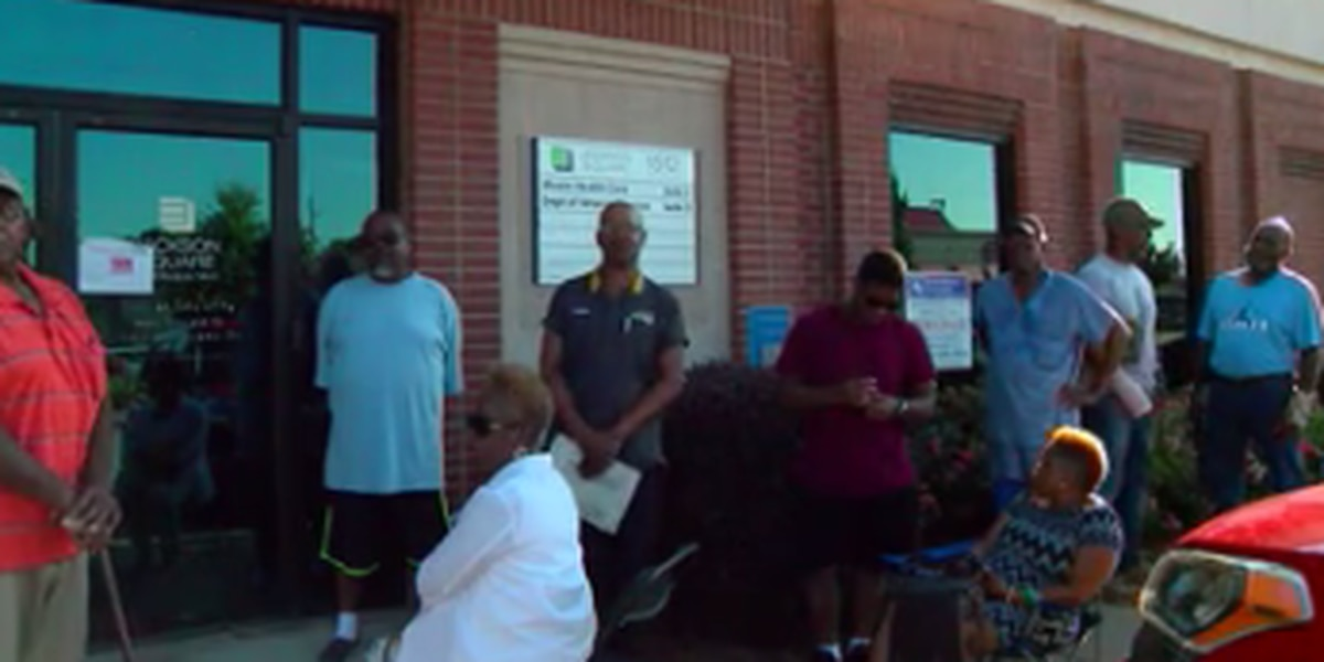 Veterans complain about waiting in line in the heat at Columbus' Veterans Services Office