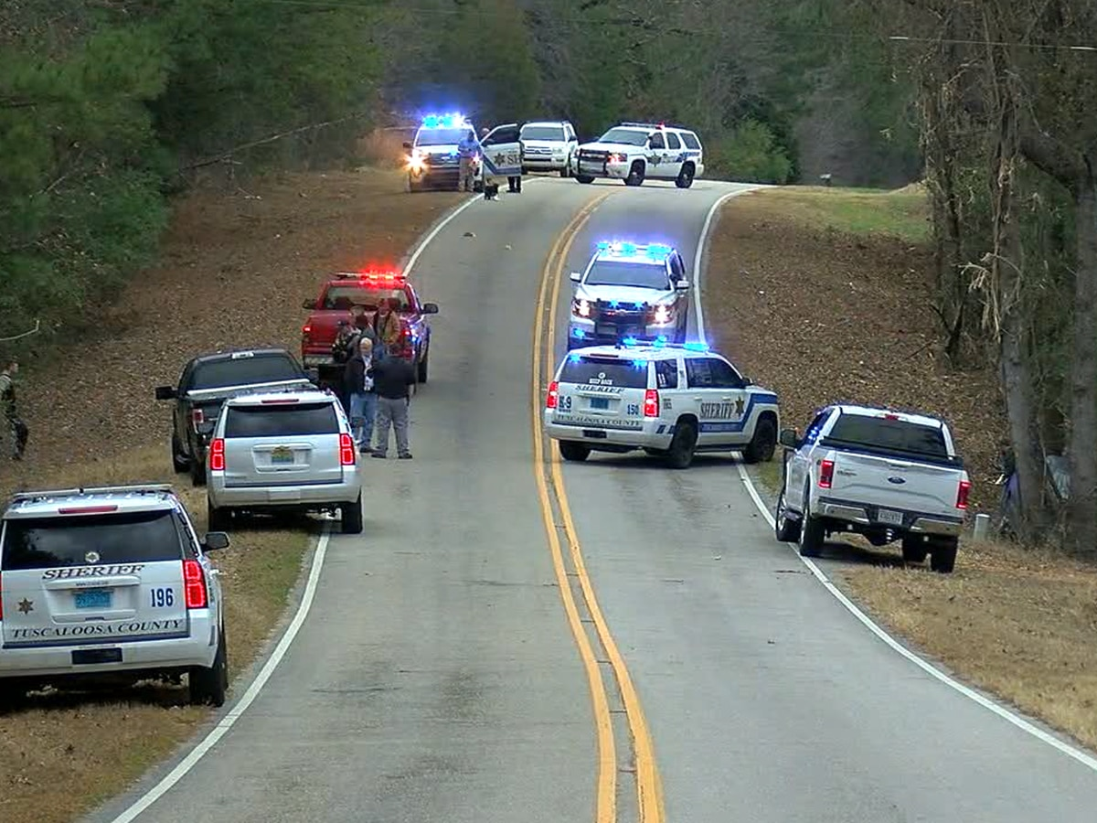 Caught on video: Two deputies in Alabama injured after being dragged by suspect