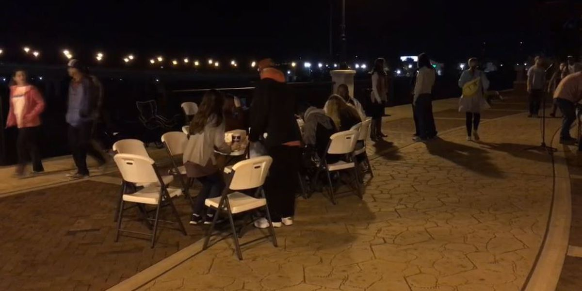 Columbus group gathers to feed the homeless