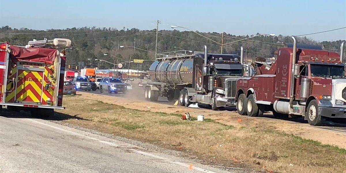 TRAFFIC ALERT: 18-wheeler accident causing delays on 280 in Phenix City
