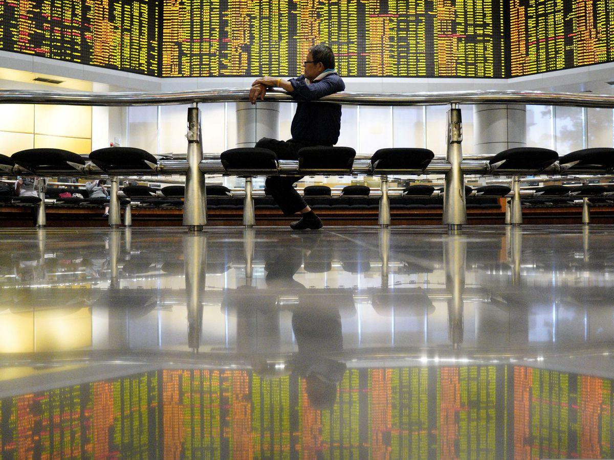 World shares advance following strong Wall Street finish