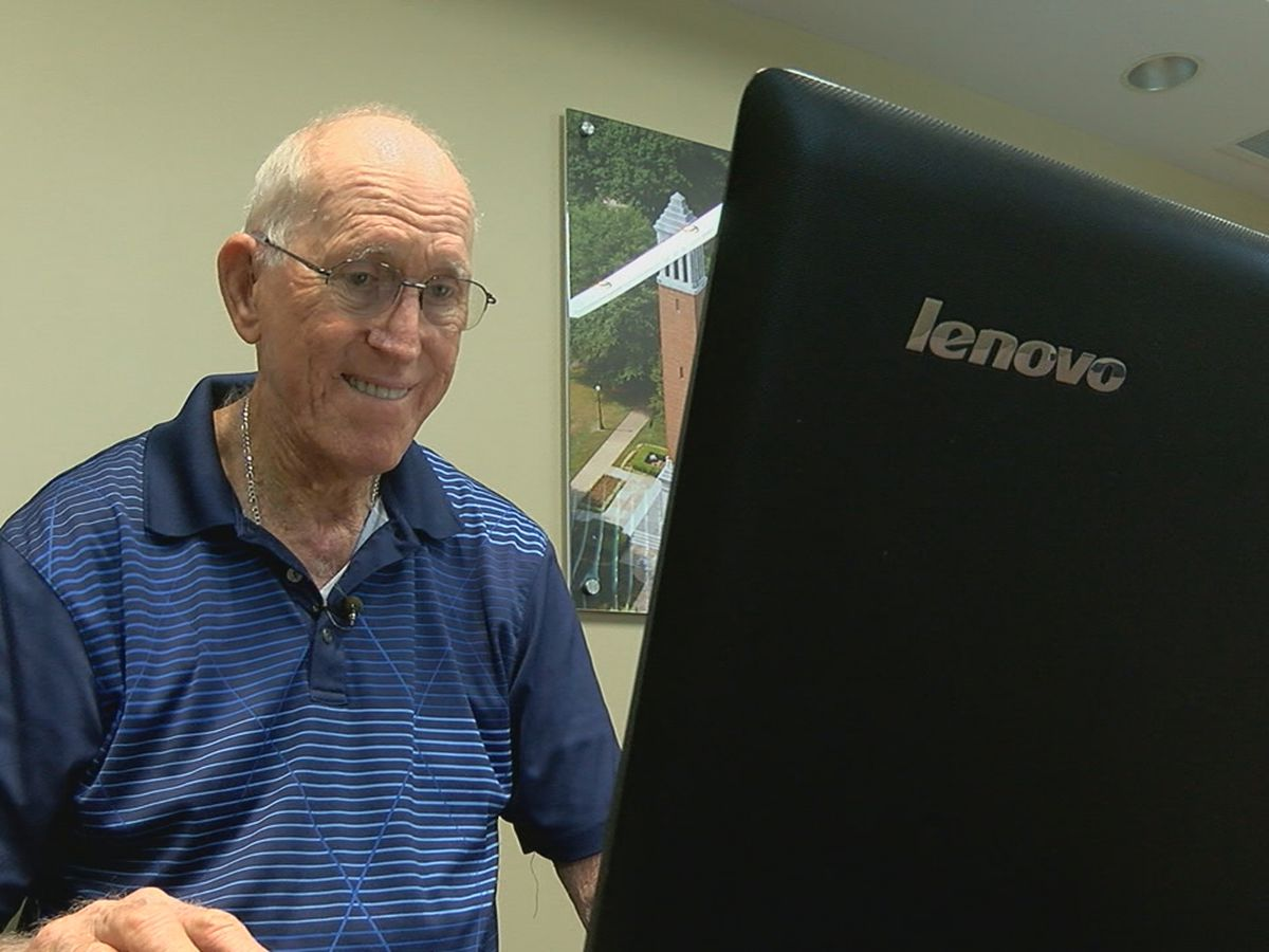 Elderly Hoover man loses life savings in tech support scheme