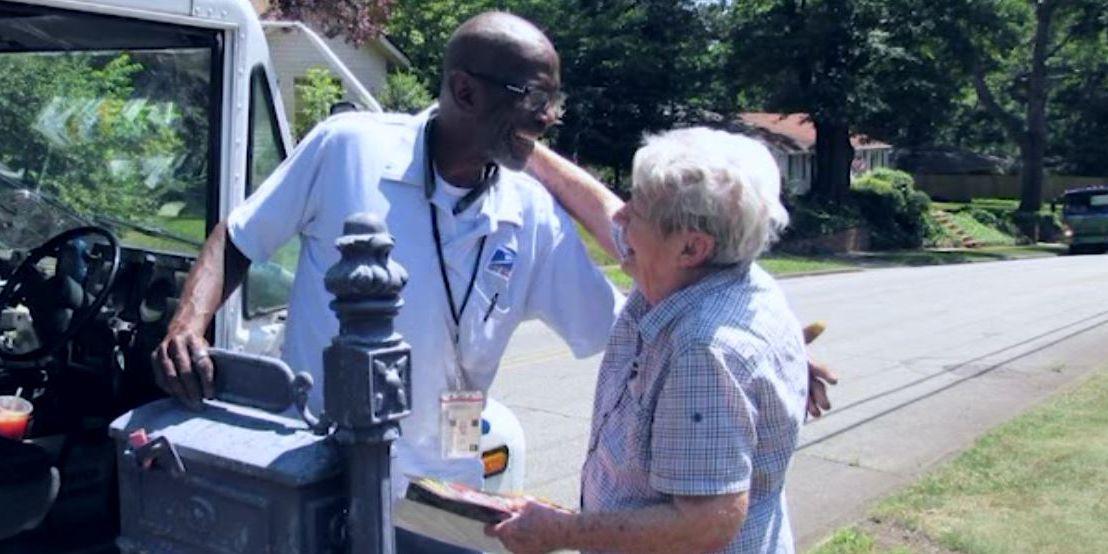 Neighborhood throws party to say goodbye to retiring mailman
