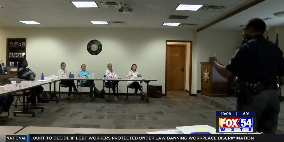 Muscogee County Marshal's Office hosts Refuse to be a Victim seminar