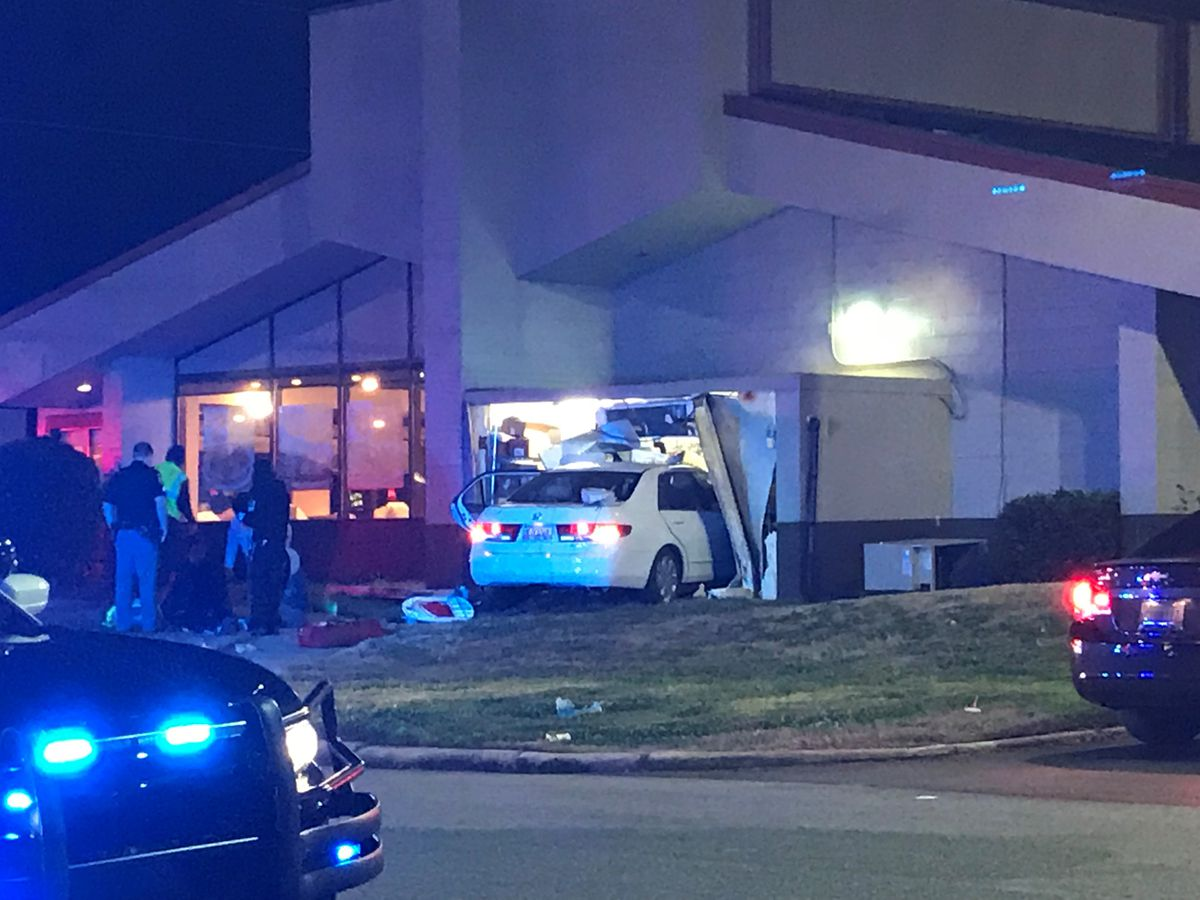 Denny's restaurant in Columbus open for business after car runs into building