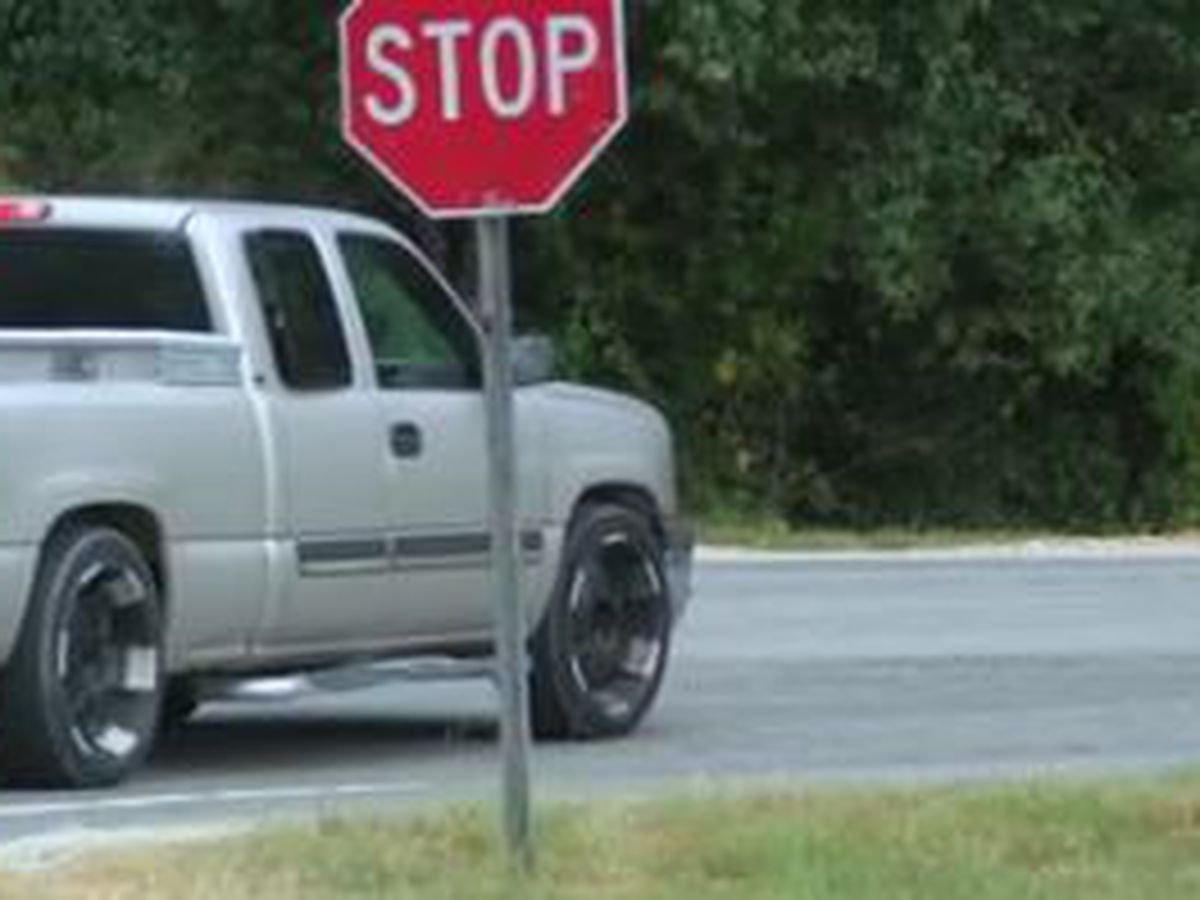 Columbus drivers concerned of limited visibilty at intersection of Wooldridge Rd. and Veterans Pkwy.