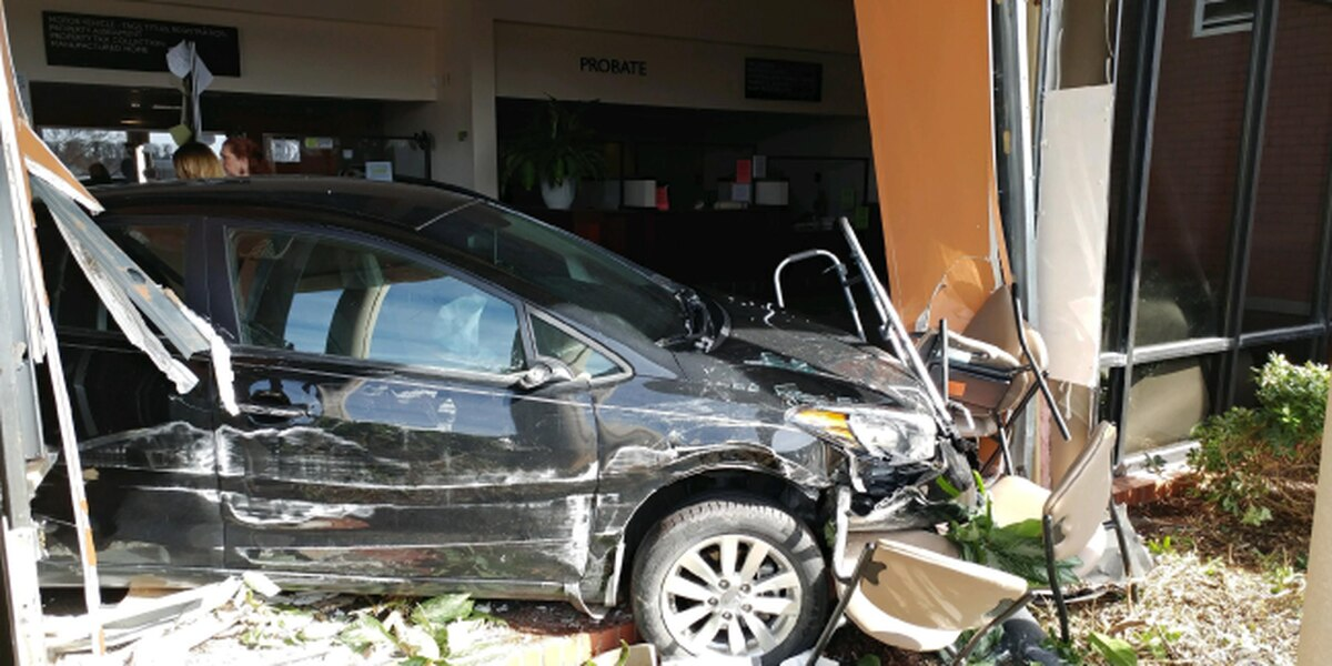 1 injured as car crashes through Lee County courthouse satellite office