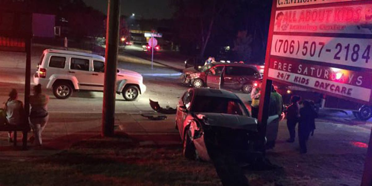 3-car accident on Buena Vista Rd. in Columbus sends 2 to hospital