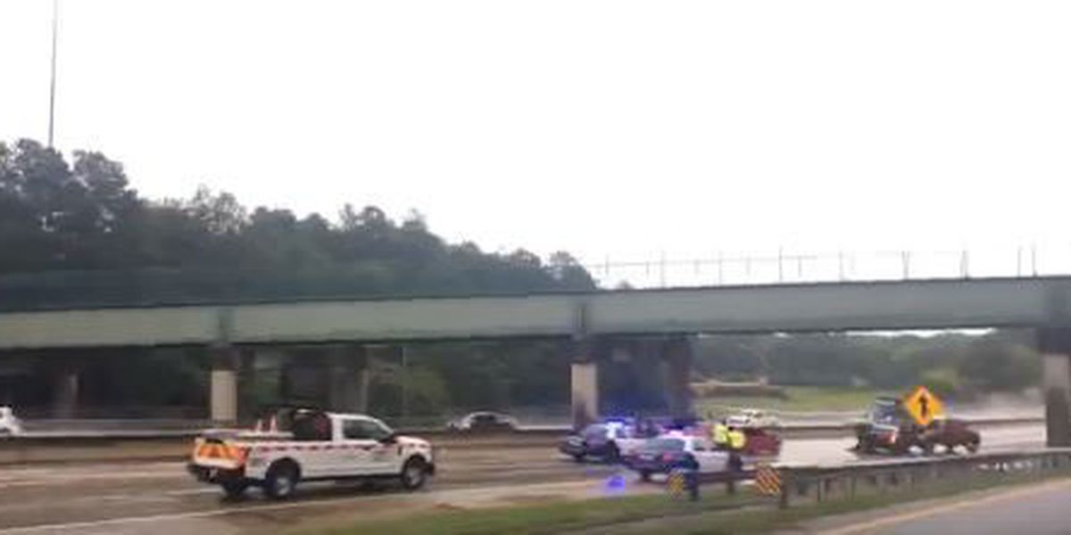 2 pedestrians hit in multi-car accident on I-185 S