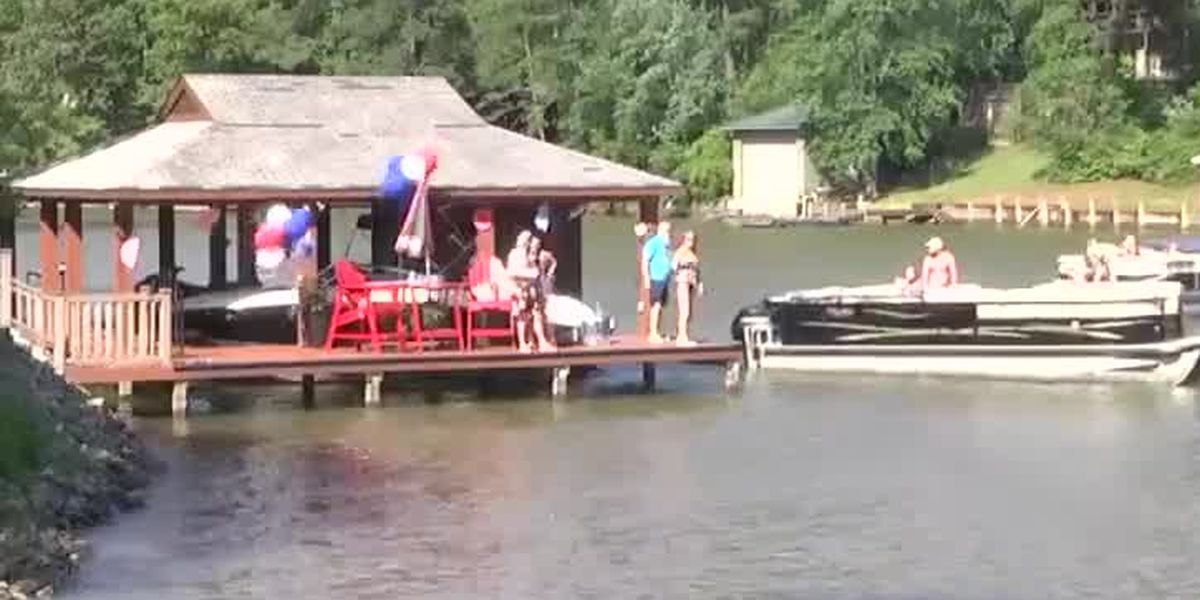 Benefit concert on Lake Harding raises over $12,000 for Feeding the Valley Food Bank