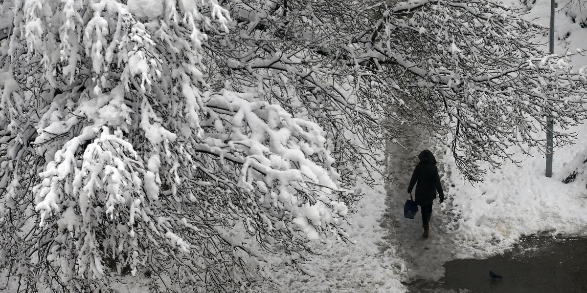 Man dies in cold spell in Serbia; schools close in Bosnia