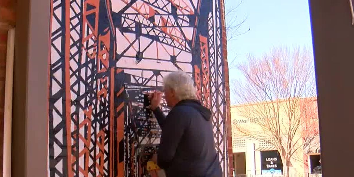 West Point artist uses talents to revamp historical downtown buildings