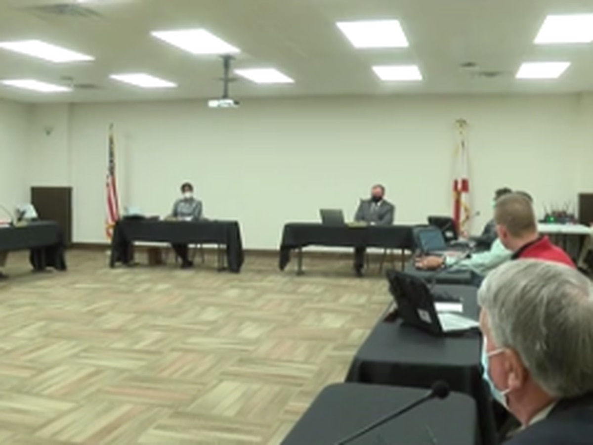 Phenix City School Board meeting focuses on superintendent's contract