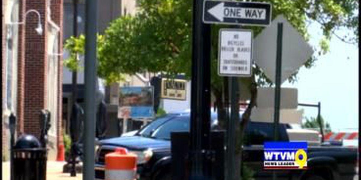 Police searching for alleged streaker in Auburn