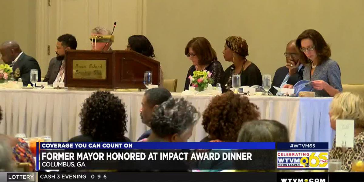 Former Columbus mayor honored at community center's Impact Award Dinner