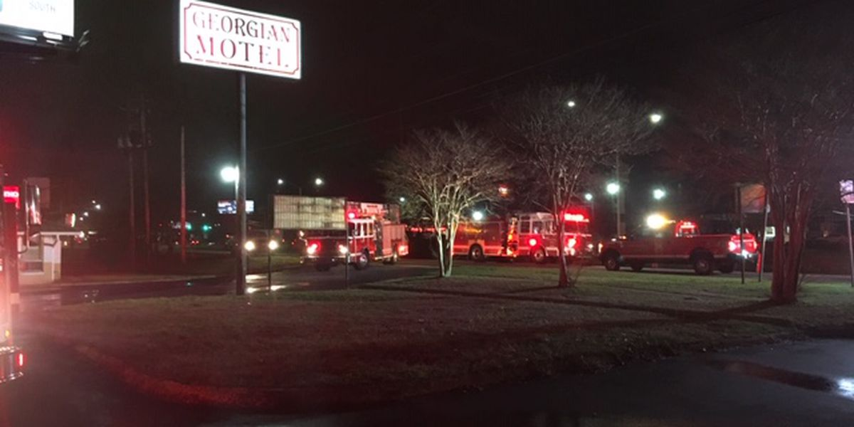 Columbus fire crews contain fire at motel on Victory Dr.