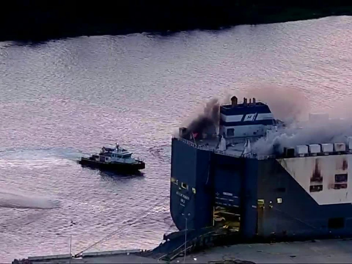 9 firefighters hospitalized in Florida after ship explosion