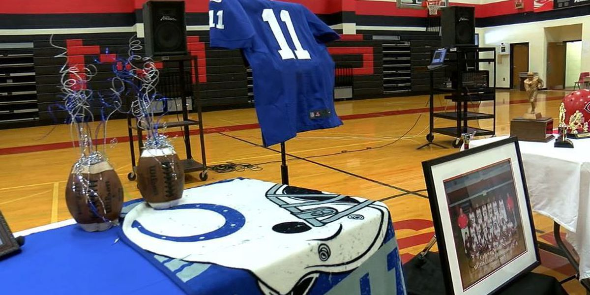 Indianapolis Colts player visits students in LaGrange