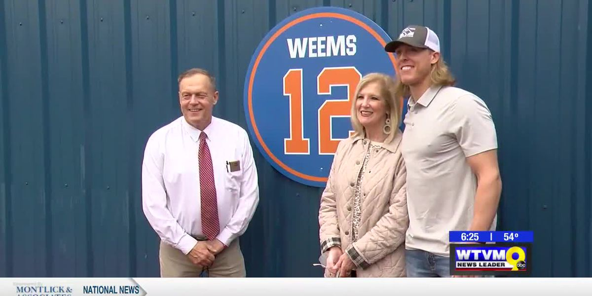 Weems honored by Columbus Blue Devils