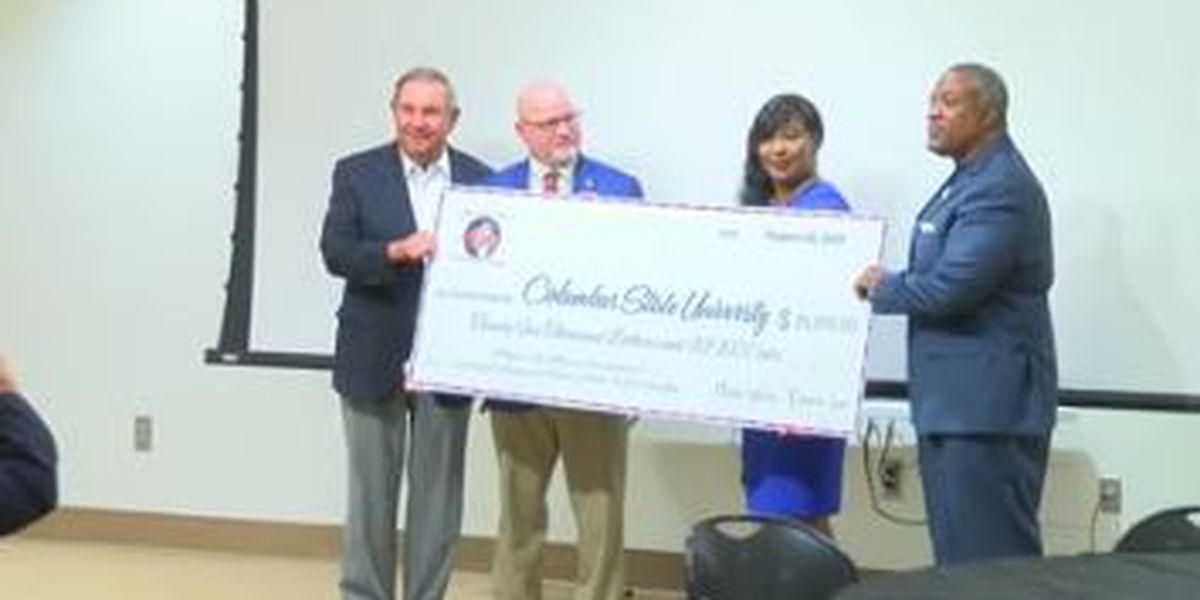 Phenix City Mayor's Ball Committee donates $25K in scholarship funds to CSU