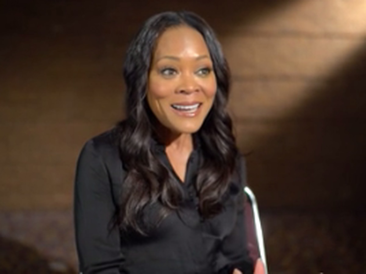 Actress Robin Givens brings awareness to domestic violence at Hope Harbour luncheon