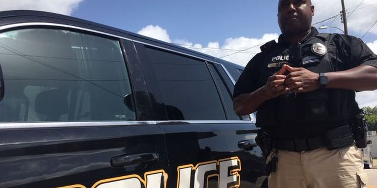 Police officer praised for heroic efforts to try to save baby