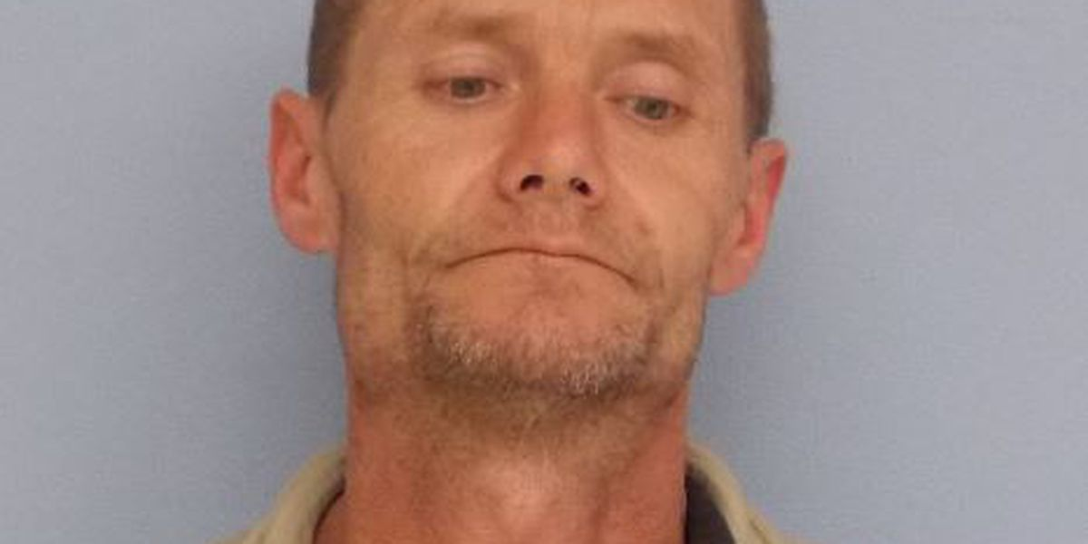 Auburn man arrested for burglary and theft at business on Industry Dr.