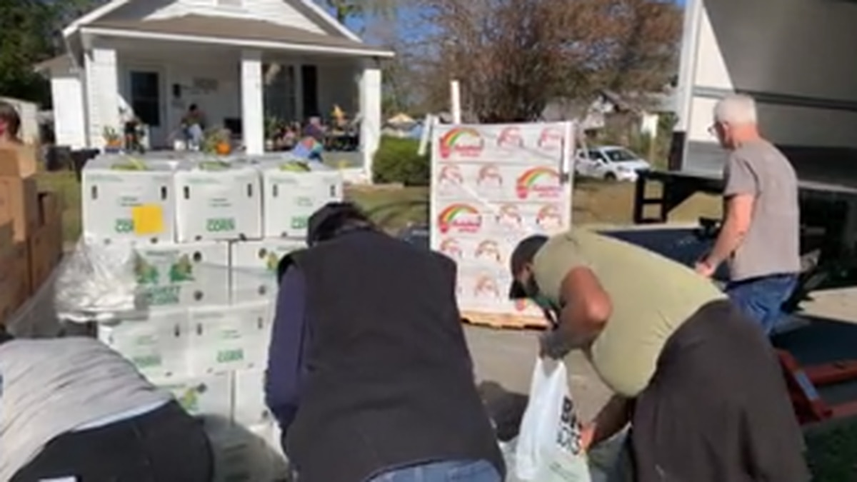 Columbus family holds food giveaway from their front yard