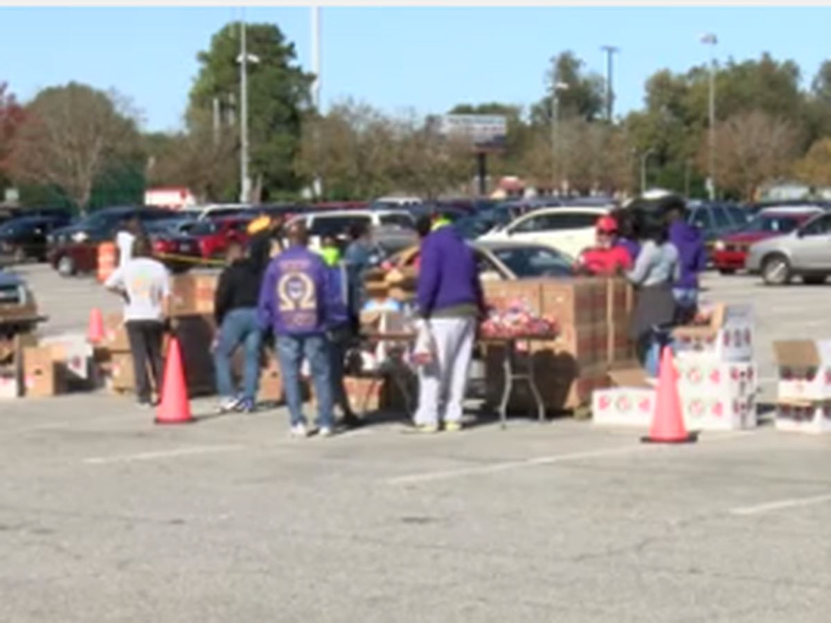 Thanksgiving food drive in Columbus brings relief to residents ahead of holiday