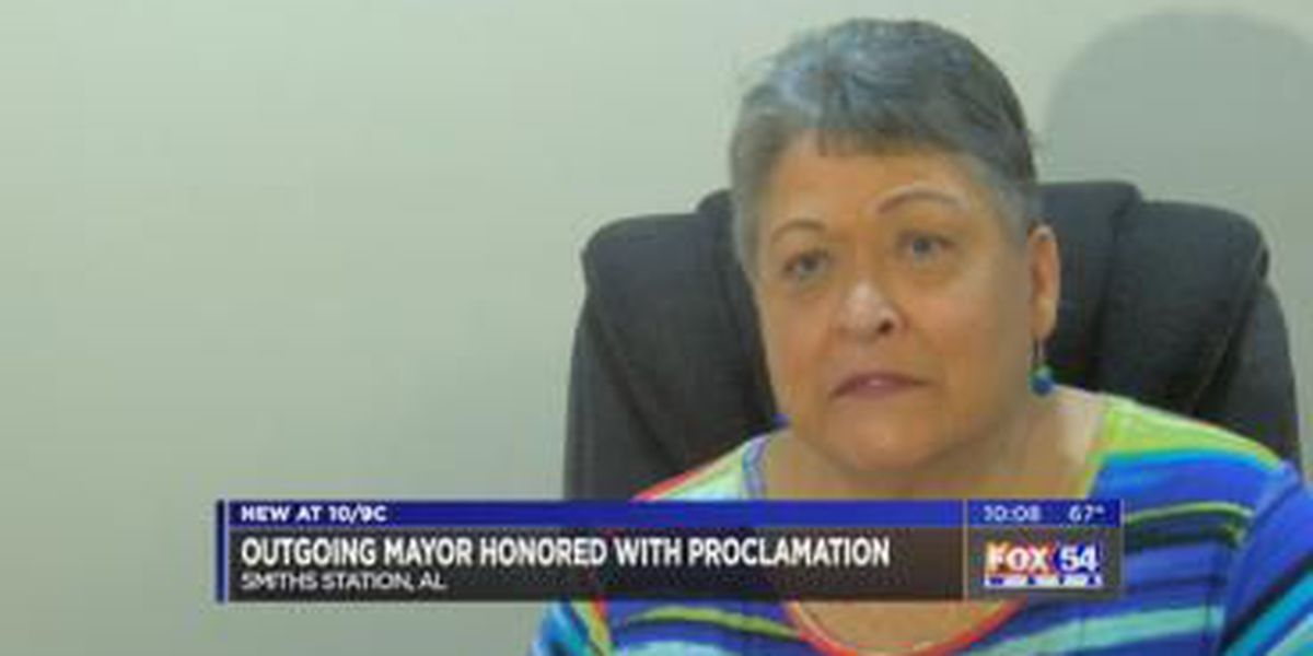 Smiths Station outgoing mayor gets surprise farewell